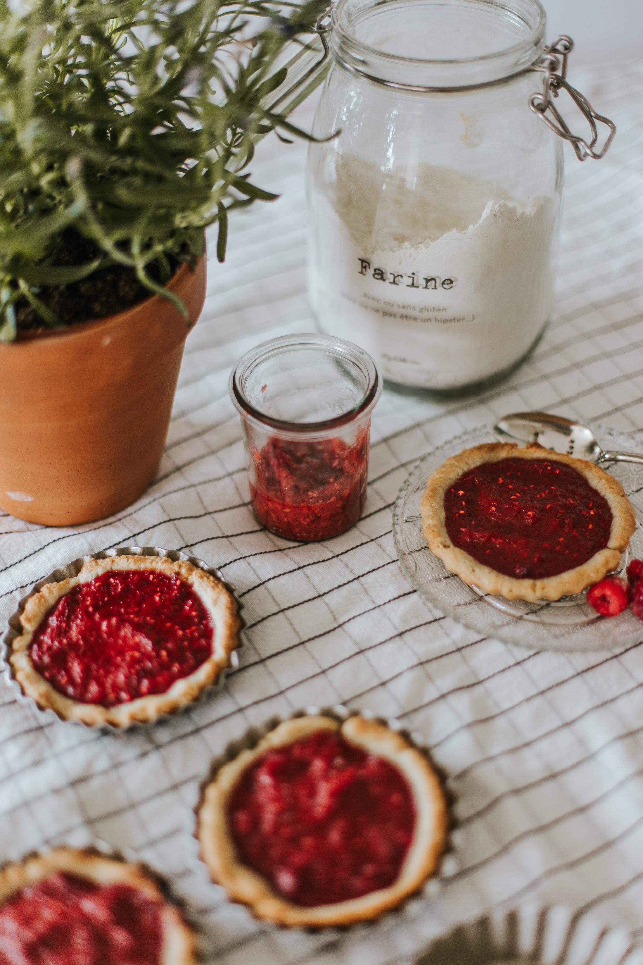 Tartelette vegan framboise & rhubarbe